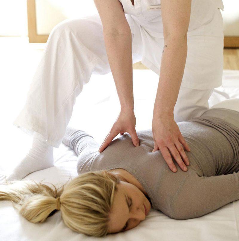 shiatsu-massage-in-Gocek-Hamam-Afrodit-Spa-and-Turkish-bath
